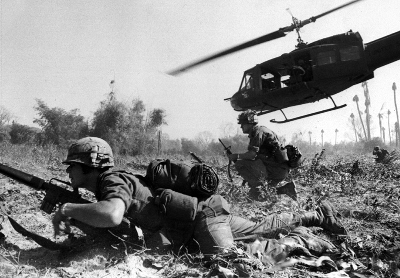 us-troops-air-assault-at-lz-x-ray