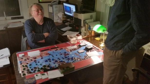 inner-sea-designer-mark-mclaughlin-at-the-board